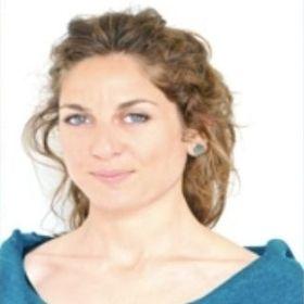 Marie-Cécile éducatrice 6/12 ans de l'école Montessori du Pays Viennois